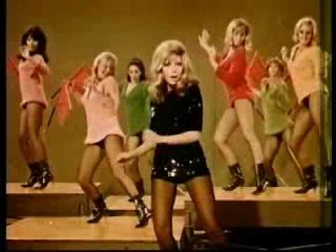Nancy Sinatra These Boots Are Made for Walking( Остин Пауэрс)