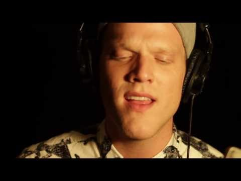 Scott Hoying Wake Me Up (Avicii Cover)